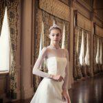ニューヨークのイノウエがクローズしたインポートドレス。ハリウッドスターが愛し、全てのデコレーションを落としシンプルで究極のリッチなウエディングドレス。モダンでスタイリッシュな印象のインポートドレス。ウエディングドレス。